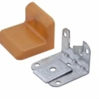 Уголок для навесных шкафов DAE-120 белый(в ассортименте)30х40мм